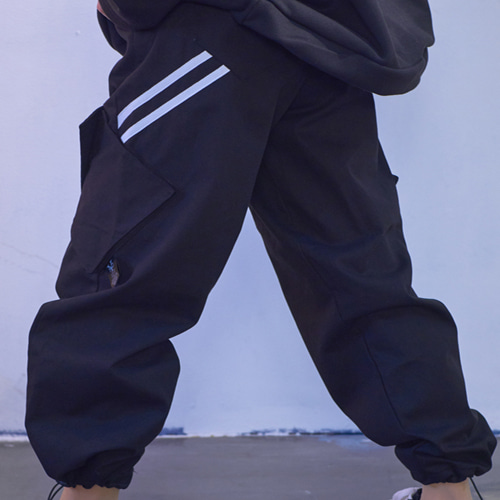 [Y-NOT C(와이낫씨)] Two Line Cargo Pants - Bk